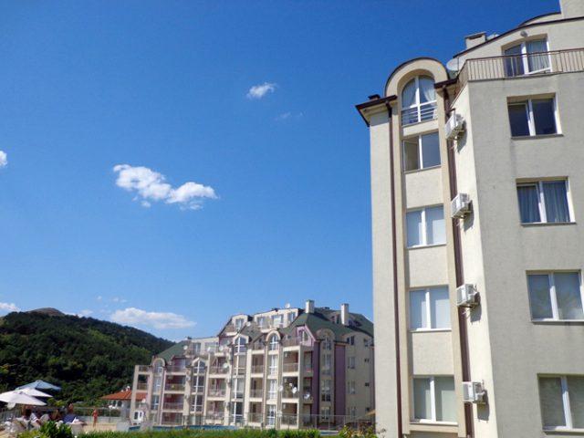 Kavarna Hills Slide4